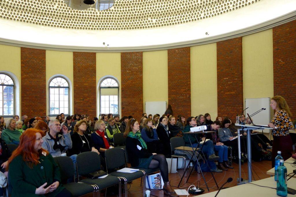 Vortrag Simone Schwarz bFachtag Genitalverstümmelung in der Universität Kassel